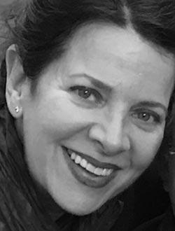Liz Blackman Headshot