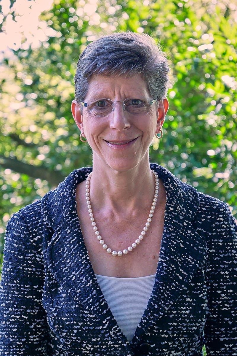 Suzanne Greenberg Headshot